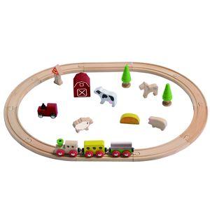 Mit unserem Farm-Set ist unendlicher Spielspaß garantiert. Das Holz-Set kommt zusammen mit zusammensteckbaren Eisenbahnschienen, einer bunten Eisenbahn mit magnetischen Anhängern, unterschiedlichen Tierarten, einer Scheune und vielen mehr. Zusammen mit unserem vielseitigen Farm-Set wird Ihr Kind unzählige Abenteuer nachspielen können! Beim Spielen mit diesem Spielzeug-Set ist die Kreativität Ihres Kindes gefragt. Dabei können die Kleinen ihre motorischen Fähigkeiten ausbauen und viele neue visuelle Erfahrungen sammeln. Die Hand-Augen-Koordination wird ebenfalls gestärkt