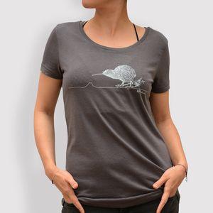 Frauen T-Shirt mit weitem Ausschnitt